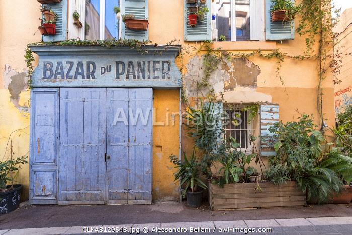 Typical building along the streets of Marseille, Bouche du Rhone department, Provence-Alpes-Câ��Â�te dâ��ÄôAzur region, France