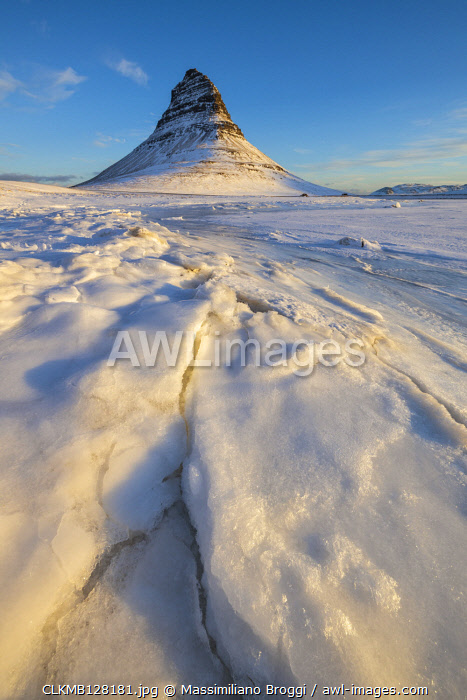 Ice cracks at Kirkjufell, Grundarfjorour, Sn�aefellsnes peninsula, Vesturland region, Iceland