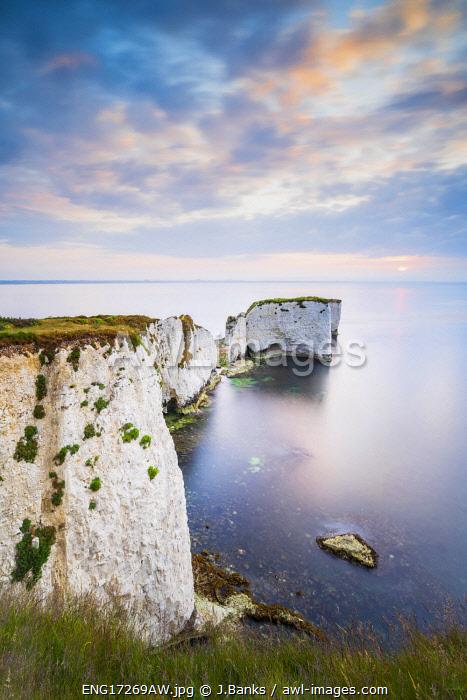 Sunrise at Old Harry Rocks, Jurassic coast, Swanage, Isle of Purbeck, Dorset, England, UK