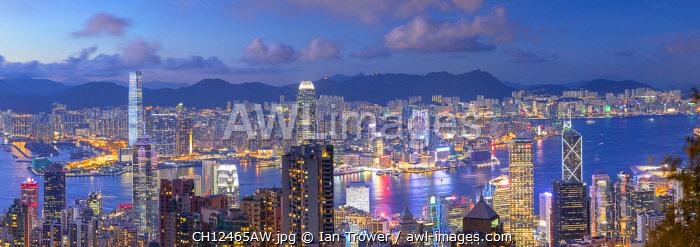 Skyline of Hong Kong Island and Kowloon at dusk, Hong Kong