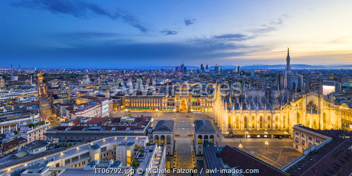 Italy, Lombardy, Milan, Piazza Duomo with the domes of Galleria Vittorio Emanuele II and Santa Maria Nascente Cathedral (Duomo)