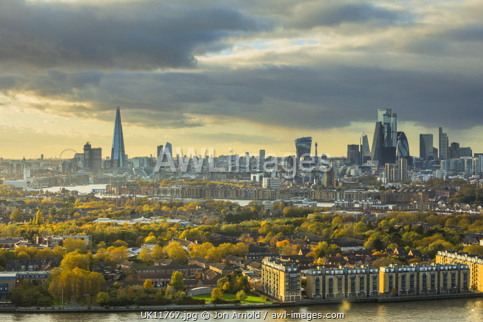 awl-images.com - England / The Shard & City of London skyline from Canary Wharf, London, England
