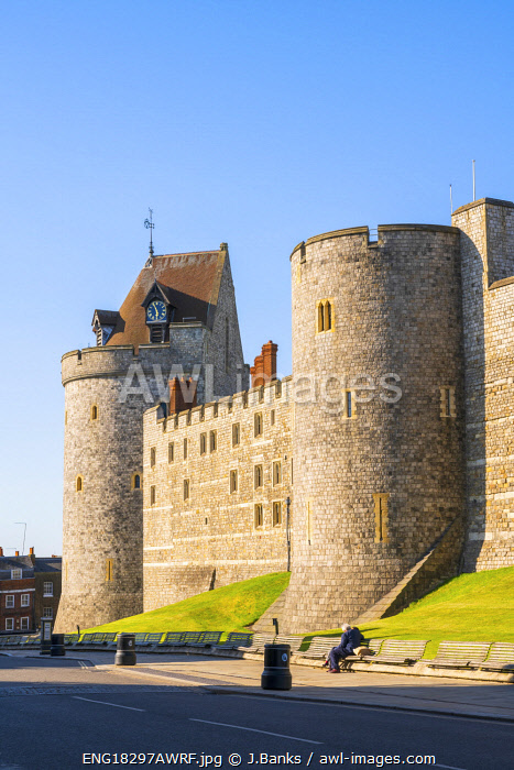 awl-images.com - England / The ramparts of Windsor Castle on Thames Street, Windsor, England, United Kingdom