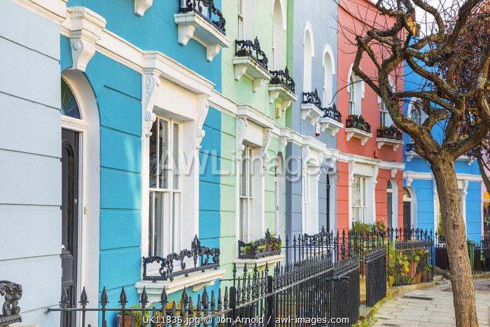awl-images.com - England / Street of colourful houses, Kentish Town, London, England, UK