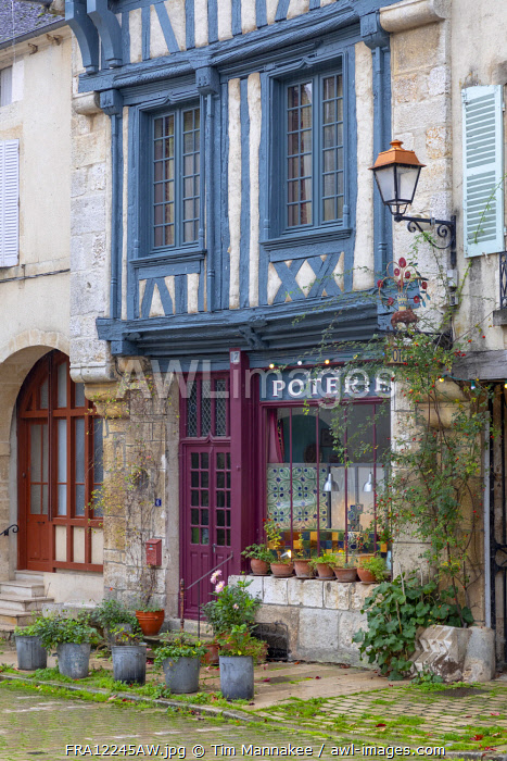 awl-images.com - France / France, Bourgogne-Franche-Comt�, Burgundy, Bourgogne, Noyers, colourful half-timbered buildings in the village of Noyers
