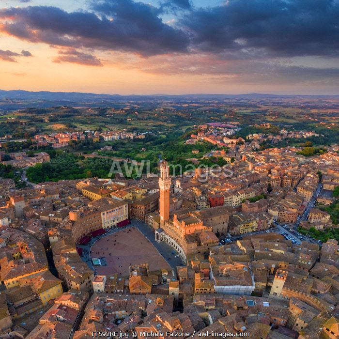 awl-images.com - Italy / Italy, Tuscany, Siena, Piazza del Campo and City Centre