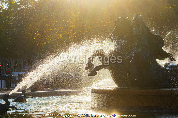awl-images.com - France / France, Paris, Garden of the Great Explorers, the fountain Carpeaux or fountain of the Quatres Parties of the World