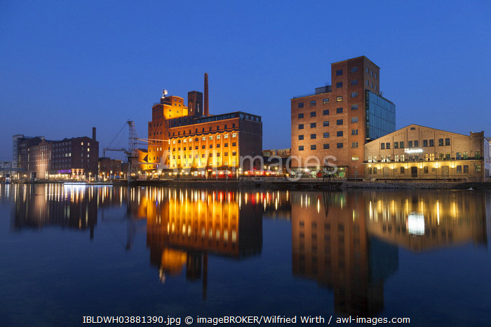 awl-images.com - Germany / Museum K�ppersm�hle, Werhahnm�hle, former silo and mill building, Faktorei, inner harbour, Duisburg, Ruhr district, North Rhine-Westphalia, Germany, Europe