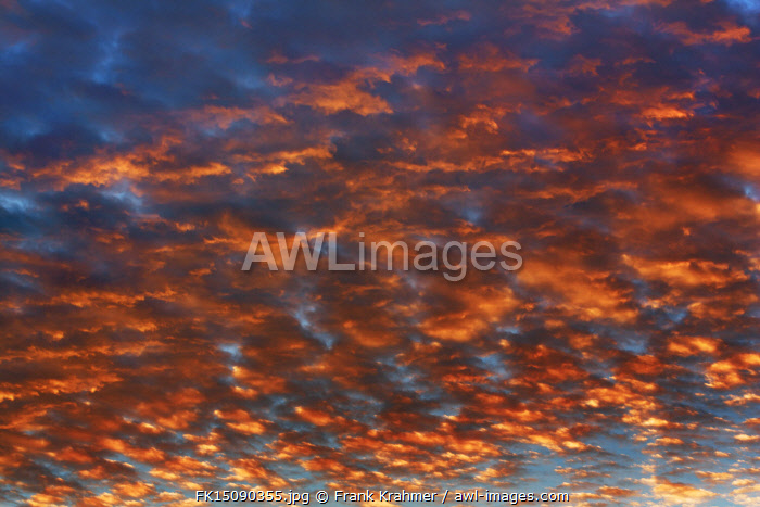 awl-images.com - Germany / Cloud impression - Germany, Bavaria, Upper Bavaria, Munich, Taufkirchen