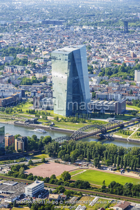 awl-images.com - Germany / ECB European Central Bank skyscraper aerial view river Main skyscraper portrait city city, Frankfurt, Germany, Europe